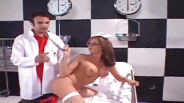 Arzt fickt krankenschwester