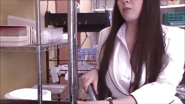 Vollbusige Amateur Koreanerin