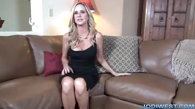 Sexy, Vollbusige Latina In Ich-Perspektive