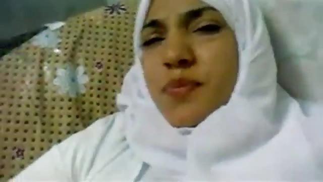 Arabische Amateurin Bekommt Pimmel
