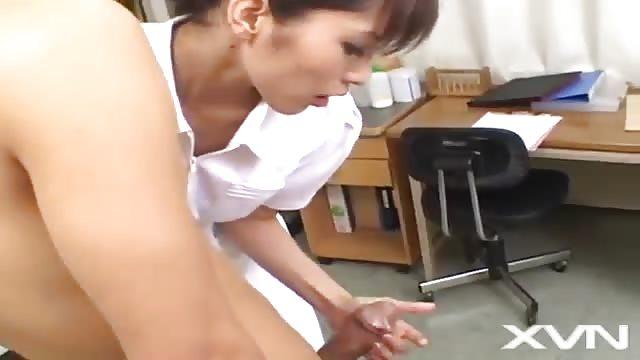 Student Fickt Seine Asiatische Lehrerin