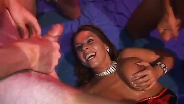 Wolna kobieca tryskać